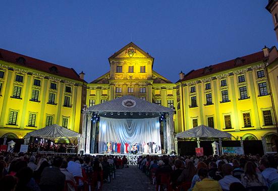Фестиваль оперного и балетного искусства «Вечера Большого театра в замке Радзивиллов»